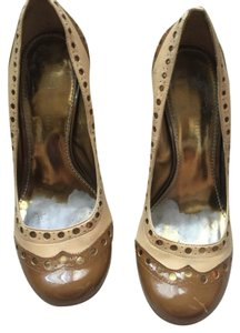 Vince Camuto Taupe/beige/gold Pumps