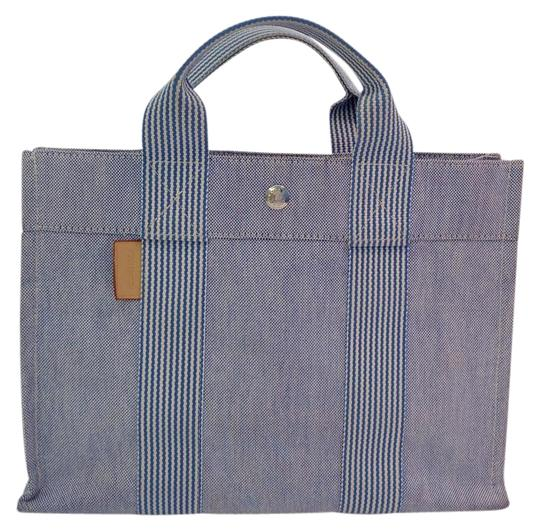 Preload https://img-static.tradesy.com/item/16796752/hermes-fourre-tout-and-bluewhite-cotton-canvas-tote-0-1-540-540.jpg