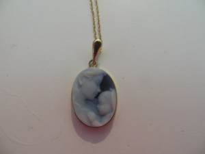 New 10 k Mother and Child Necklace with Matching Box