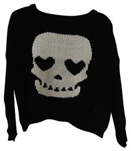 Hobie Skull Hearteyes Sweater