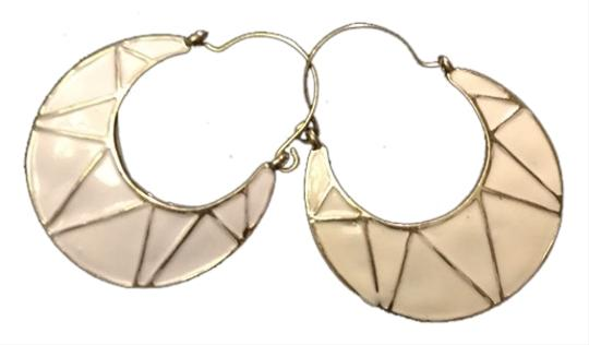 Preload https://item3.tradesy.com/images/gold-and-white-earrings-1679997-0-0.jpg?width=440&height=440