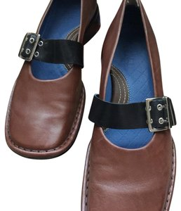 Clarks Brown/black Flats