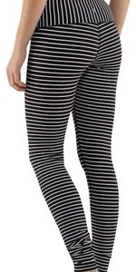 Lululemon EUC LULULEMON WUNDER UNDER PANT FULL LENGTH BLACK WHITE STRIPES 4