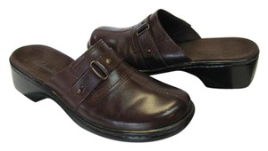 Clarks Leather Size 7.50 M Very Good Condition Brown Mules