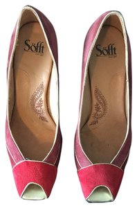 Erosoft by Sfft Red and gold Pumps
