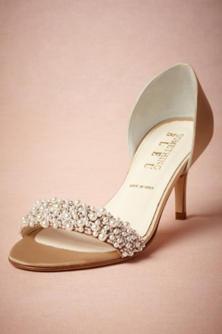 """Item - Champagne """"Oyster Bed D'orsays"""" Pumps Size US 7"""