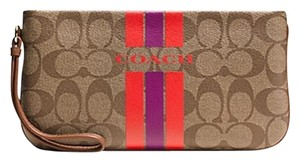 Coach Wristlet in Brown/Wristlet