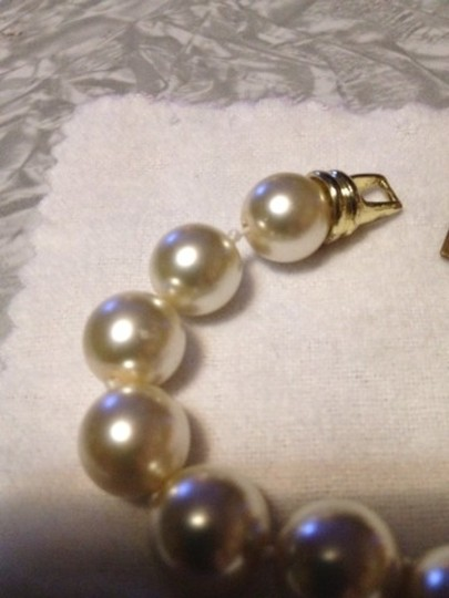 "wimberly Wimberly Faux Pearl And Gold ""M"" Bracelet"