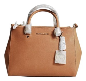 Michael Kors Sutton Satchel in Peanut