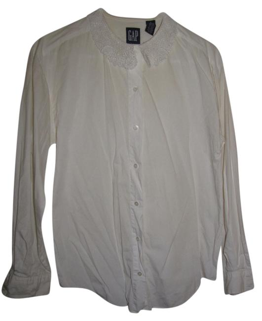 Preload https://item5.tradesy.com/images/gap-white-button-down-top-size-4-s-1680544-0-0.jpg?width=400&height=650