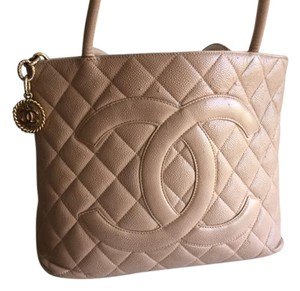 Chanel Tote in Natural
