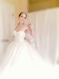 Vera Wang Bridal Vera Wang White Vwe351133 Wedding Dress