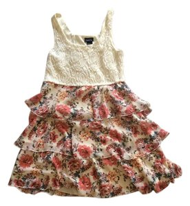 Rue 21 short dress Cream/Pink Floral on Tradesy