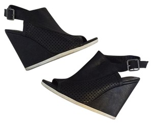 Madden Girl Black Wedges