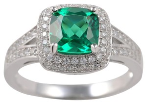 9.2.5 Gorgeous green emerald and white sapphire cocktail ring. Size 7
