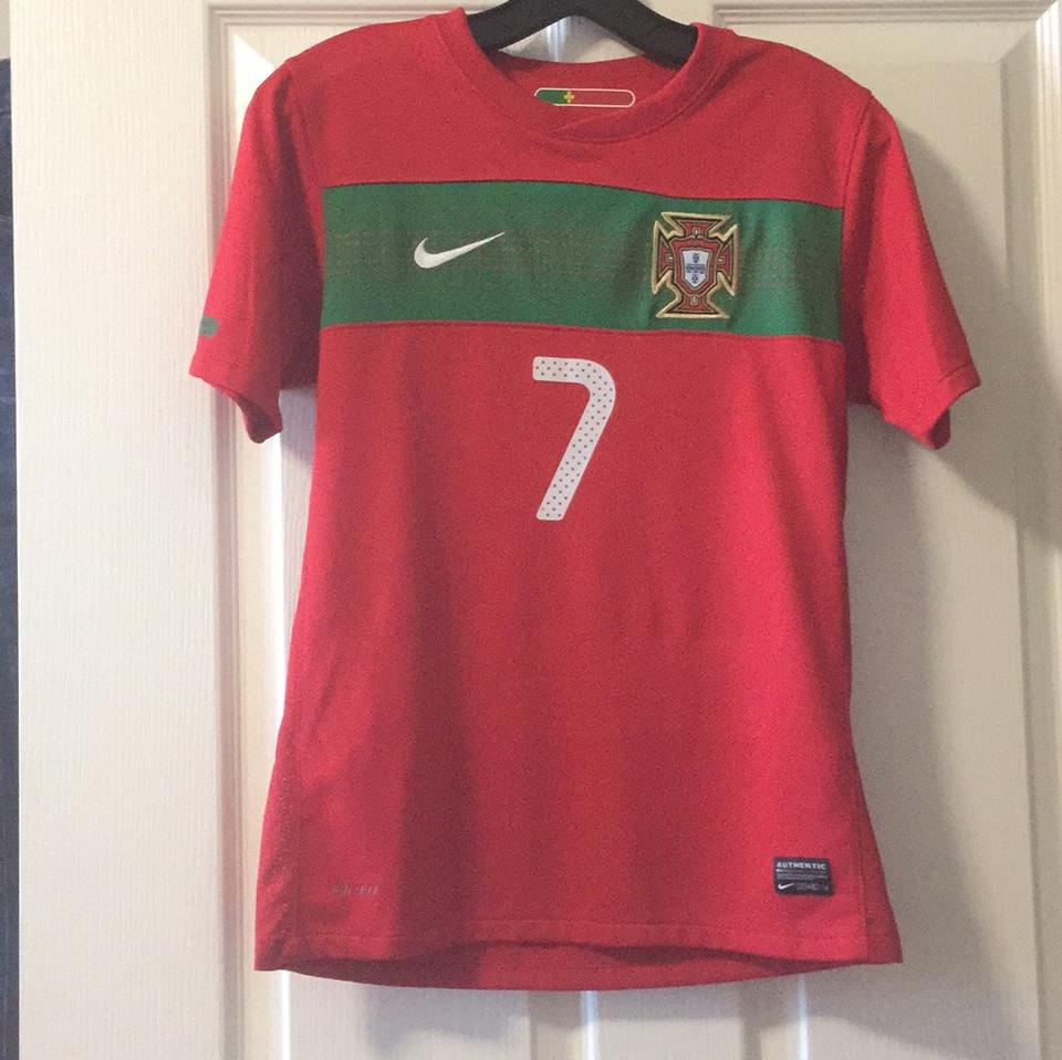 detailed look 8b3ba 1da07 Nike Red Jersey Christiano Ronaldo Tee Shirt Size 12 (L)