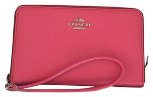 Coach Iphone Wristlet in Pink