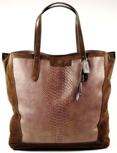 Coach Discount Tote in brown