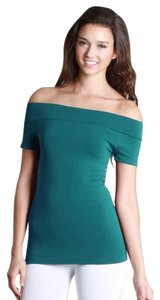 Nikibiki Peacock Seamless Top green
