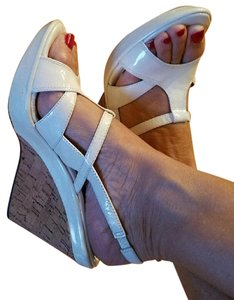 Eürosoft by Söfft White Sandals