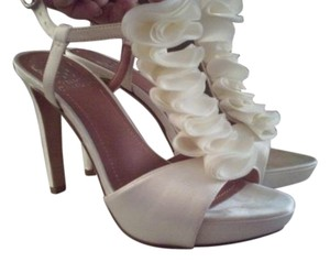 Vince Camuto Ivory Formal
