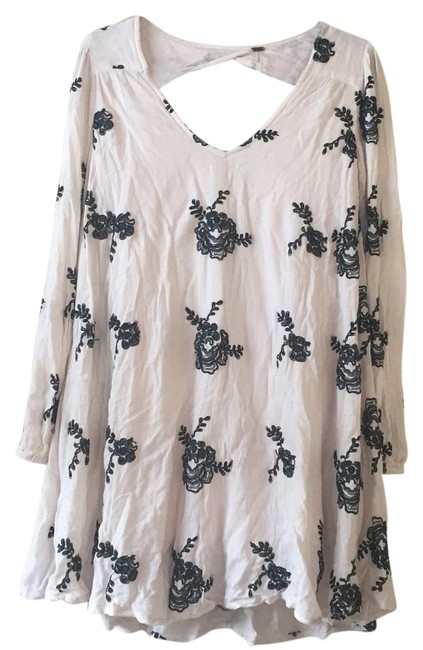Item - White XS Emmas Embroidered Above Knee Short Casual Dress Size 2 (XS)