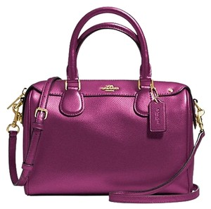 Coach Satchel in Fuchsia