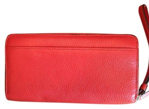 Coach Leather Accordion Zipped Wallet
