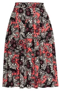 H&M textered weave skirt Skirt Black, pink, and white.