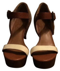 Gianni Bini Nude, White Wedges