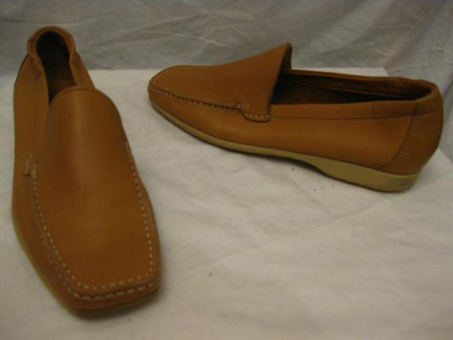 Item - Camel Leather Dress Loafers 7.5 D Shoes