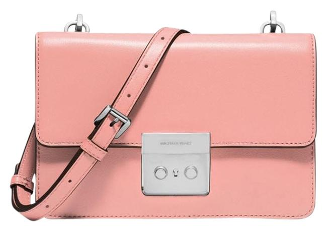 Item - Messenger Sloan Small Gusset 32f5sg1c1u Pale Pink Silver Tone Leather Cross Body Bag
