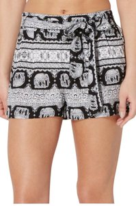 Rue 21 Dress Shorts Black and white