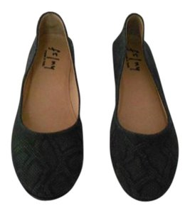 French Sole Snake Pattern Wedge Heel Black Flats