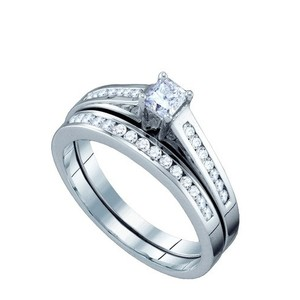 Luxury Designer 14k White Gold 0.50 Cttw Princess Cut Diamond Engagement Ring Bridal Set