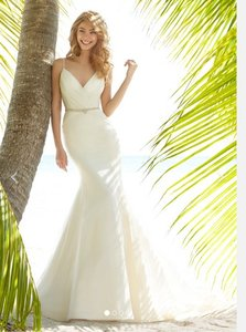 Hayley Paige Blush By Hayley Paige Style: Olive Style #: 1505 Wedding Dress