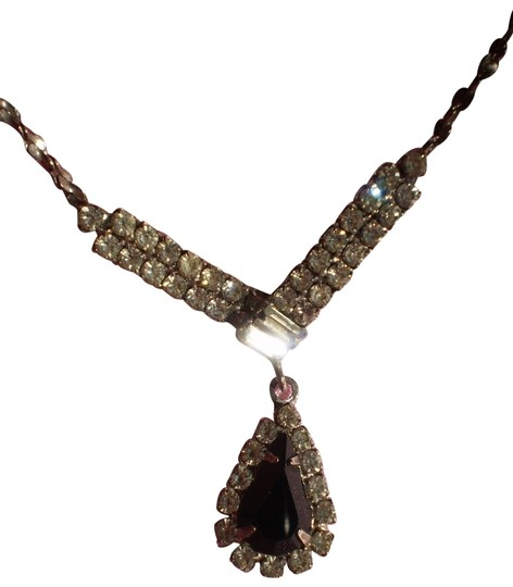 Preload https://img-static.tradesy.com/item/168316/black-teardrop-and-crystals-necklace-0-1-540-540.jpg