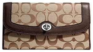 Coach F49145 New Coach Park Signature Turnlock Checkbook Wallet Khaki/Mahogany
