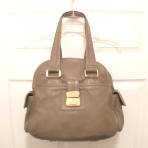 Marc Jacobs Leather Pebble Leather Large Gray Marc By Satchel in Taupe