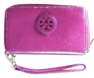 Tory Burch Wallet Wallet Wristlet in Pink