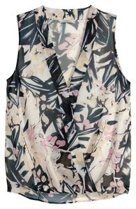 H&M Spring Wrap Sleeveless Top Floral