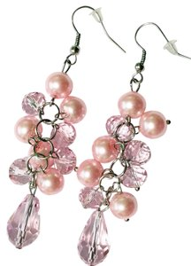 Freelance Fashion dangle earrings in pink