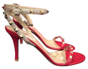 Valentino Rockstud Red Pumps