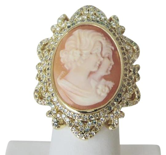 Preload https://img-static.tradesy.com/item/16835506/amedeo-goldtone-two-sisters-uncinetto-30mm-cameo-8-ring-0-2-540-540.jpg