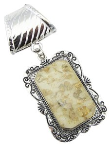 Unknown gold flake scarf ring pendant charm free shipping
