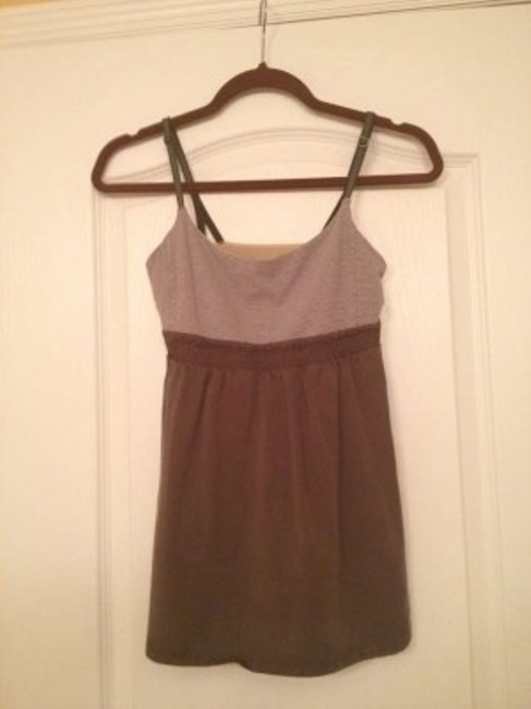 Preload https://img-static.tradesy.com/item/168389/lululemon-wren-dark-taupe-bliss-activewear-top-size-6-s-28-0-0-650-650.jpg