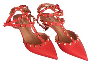 Valentino Deep Coral. Made in italy Pumps