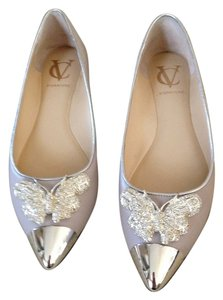 Vince Camuto Pebble with Silver Flats
