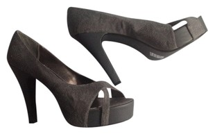Michael Antonio Grey Pumps