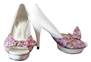 BCBG Pink 7 B Stiletto White Pumps
